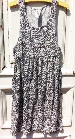 146/152-es C&A ruha