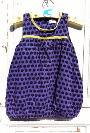 86-os Name It ruha, pöttyös