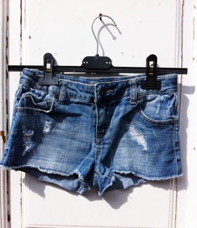 152-es Rewiew Jeans sort