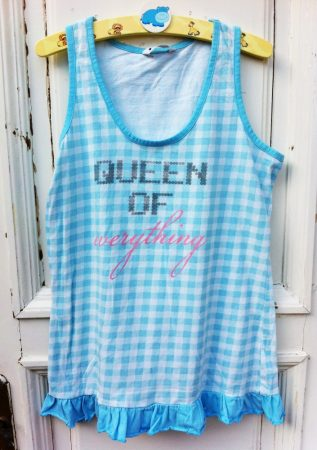 152/158-as Queen felső