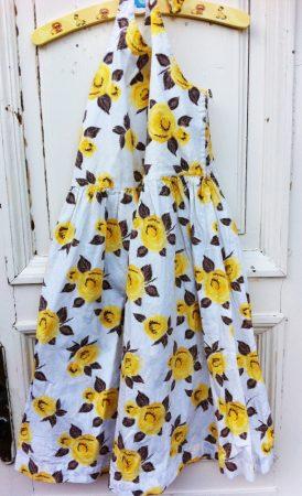 146/152-es Flowers ruha