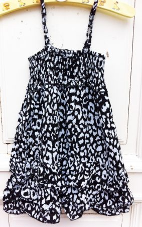 104/110-es Mintás ruha