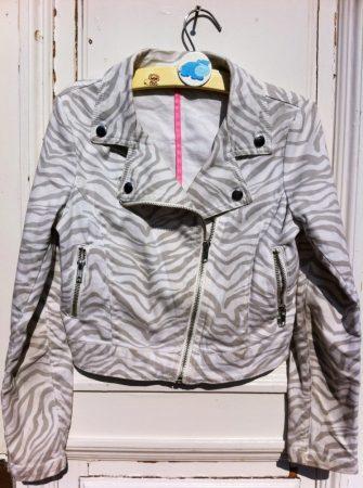 146-os H&M kabát