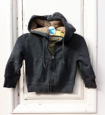 2 évesre American Outfit, buda béléses kapucnis