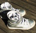 29-es Converse ezüst színű, magas szárú, bőr tornacipő